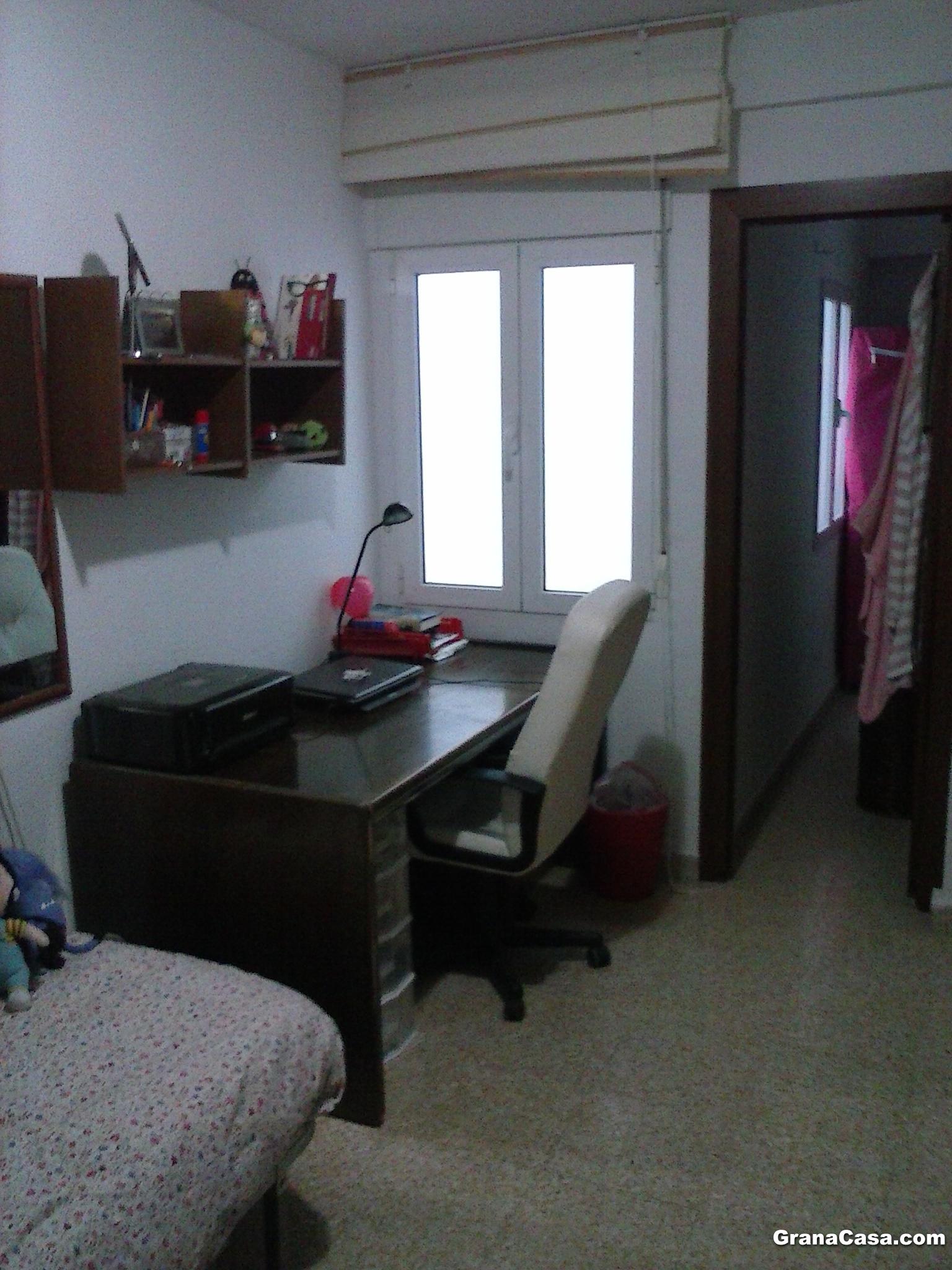 Se alquila piso de 4 dormitorios en triunfo for Se alquila piso