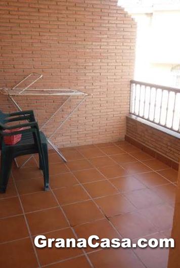 Alquiler de piso de 2 dormitorios en la zubia for Pisos alquiler la zubia