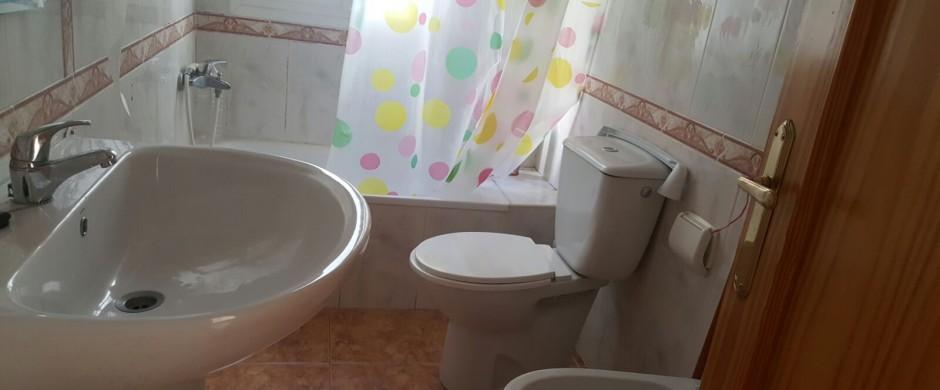 Piso 3 dormitorios económico en Av Cervantes