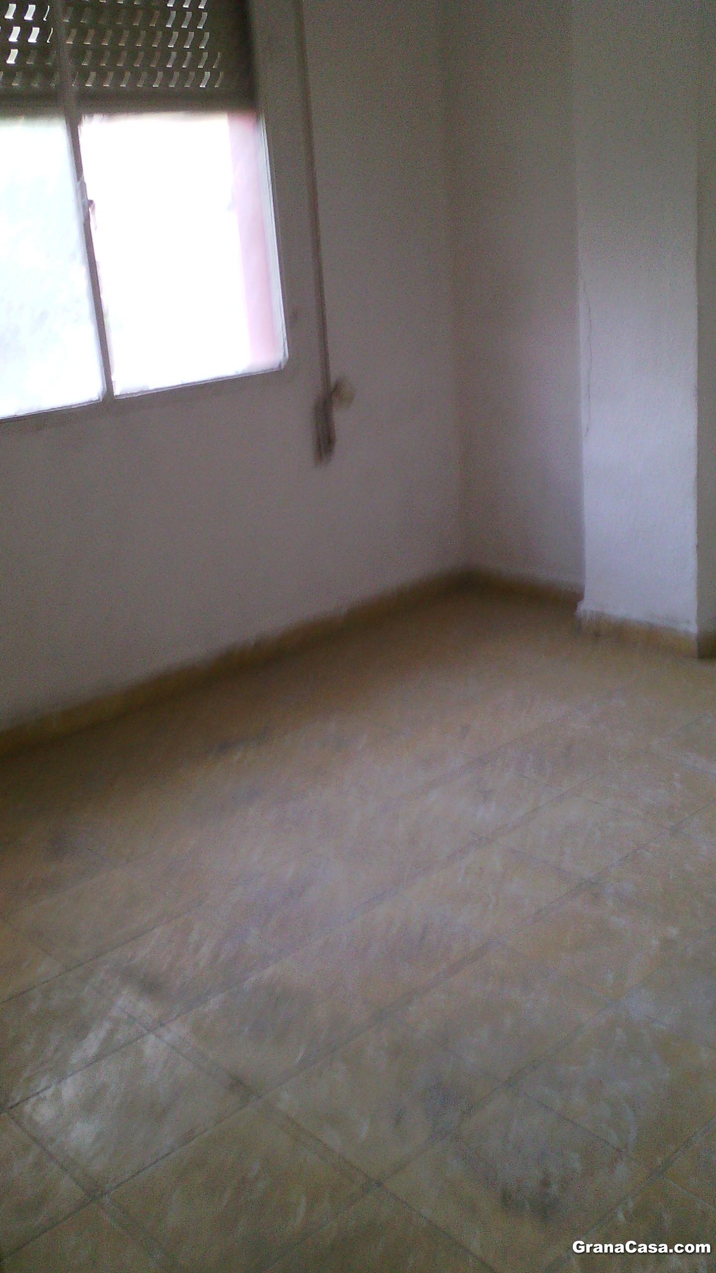 Se vende piso de 3 dormitorios zona zaidin for Piso 3 habitaciones oviedo
