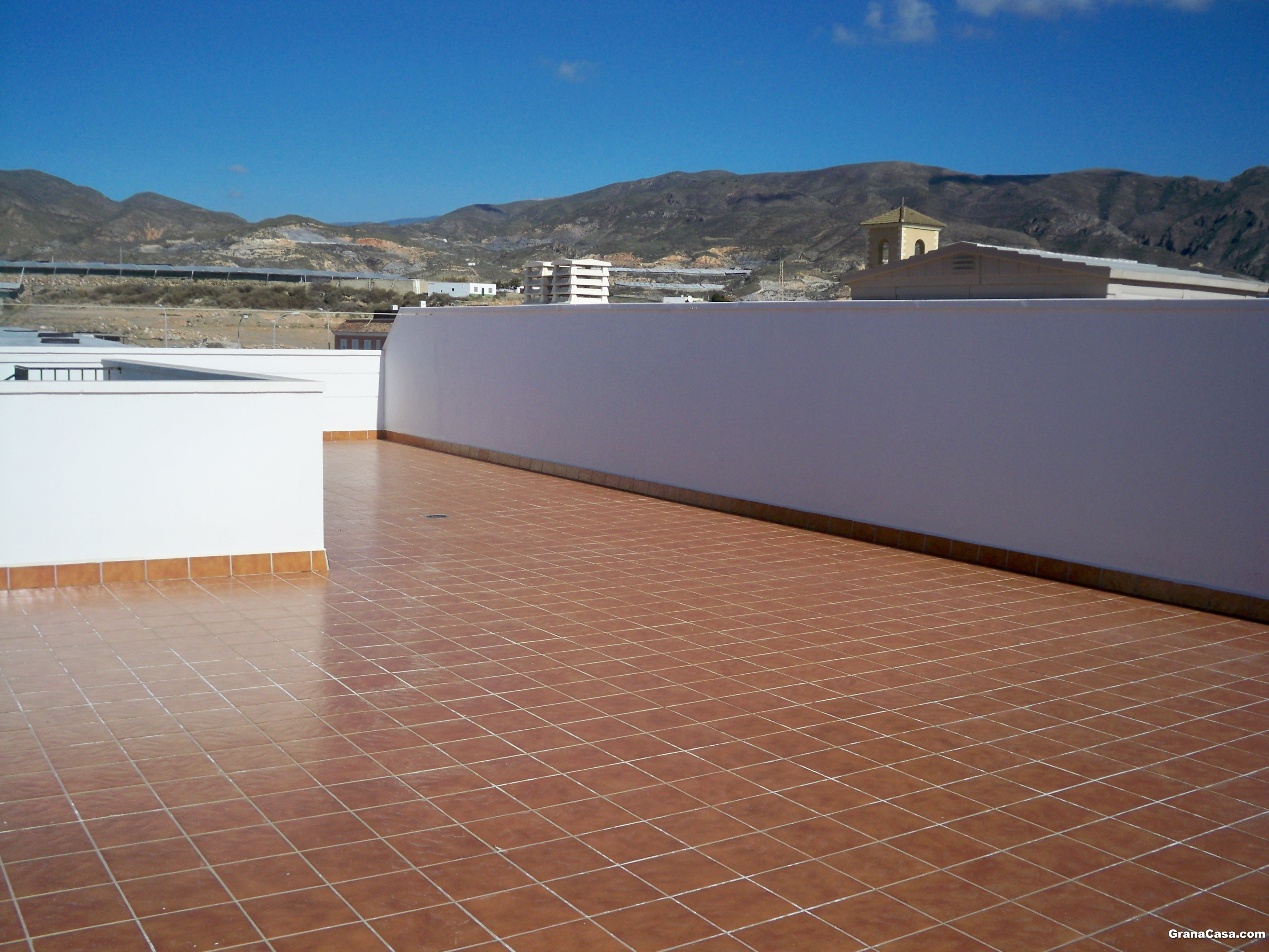Tico con 3 dormitorios reformado con calefacci n central for Hacer una terraza