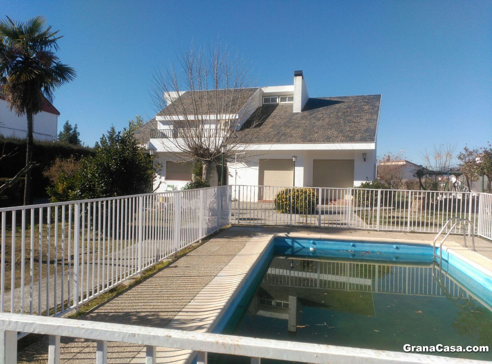 Casa con piscina en ogijares para alquiler vacacional o for Alquiler casa con piscina granada