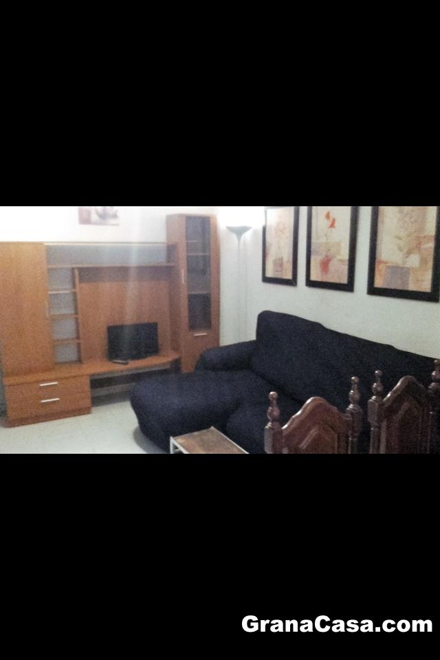 Piso de 2 dormitorios junto recogidas granacasagranacasa for Pisos 2 habitaciones pamplona