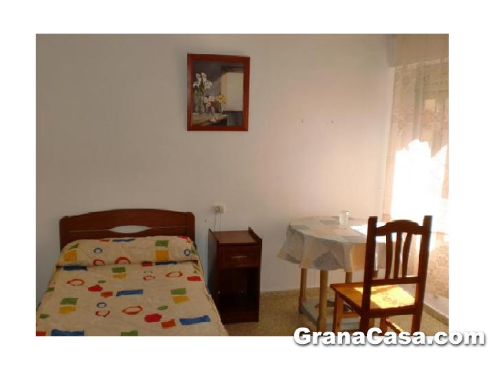 Piso de 4 dormitorios en la chana granacasagranacasa for Piso 4 dormitorios sevilla