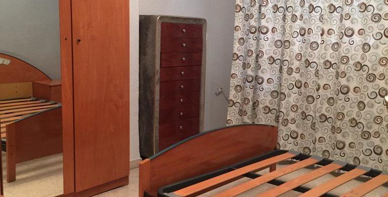 Piso de 3 dormitorios con ascensor y terraza en Av. de América